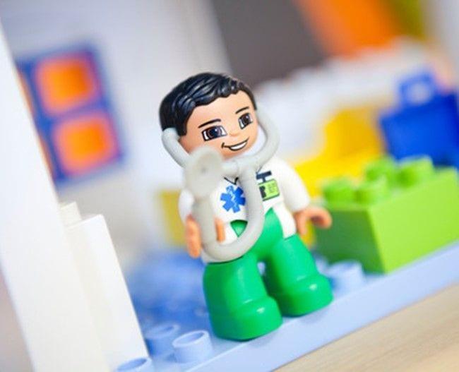 Lego duplo læge